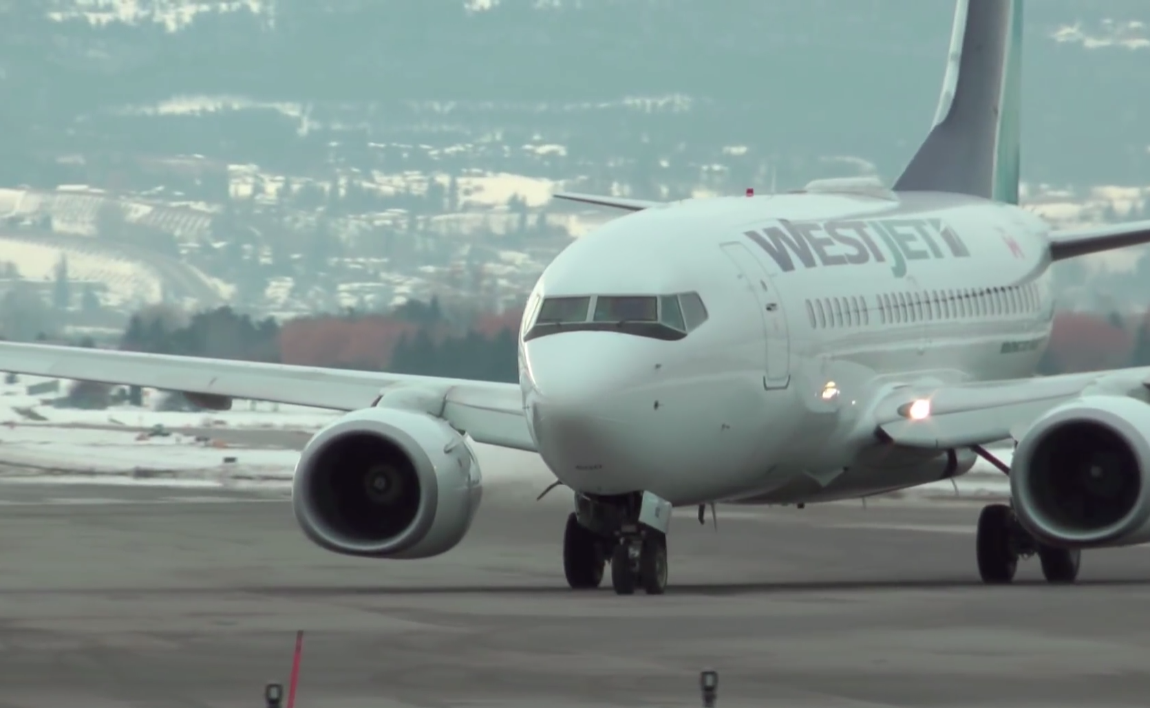 Giving WestJet 737s a Clear View for Maintenance Safety