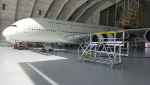 B787 Undercowl Access Stands